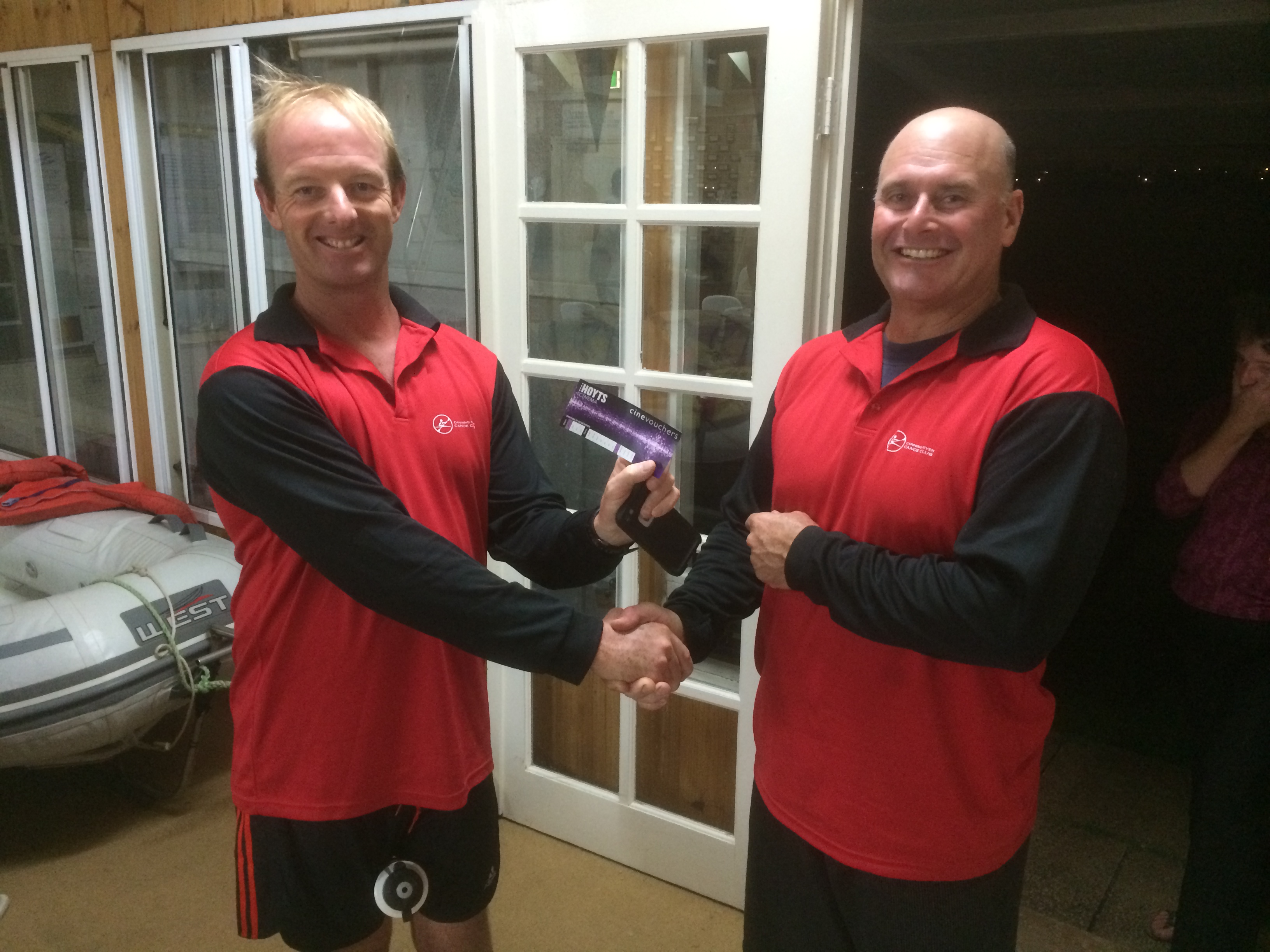 ues 7th April 2015 : Peter Burge presenting tonights winner Jeff Lohrey with a movie voucher