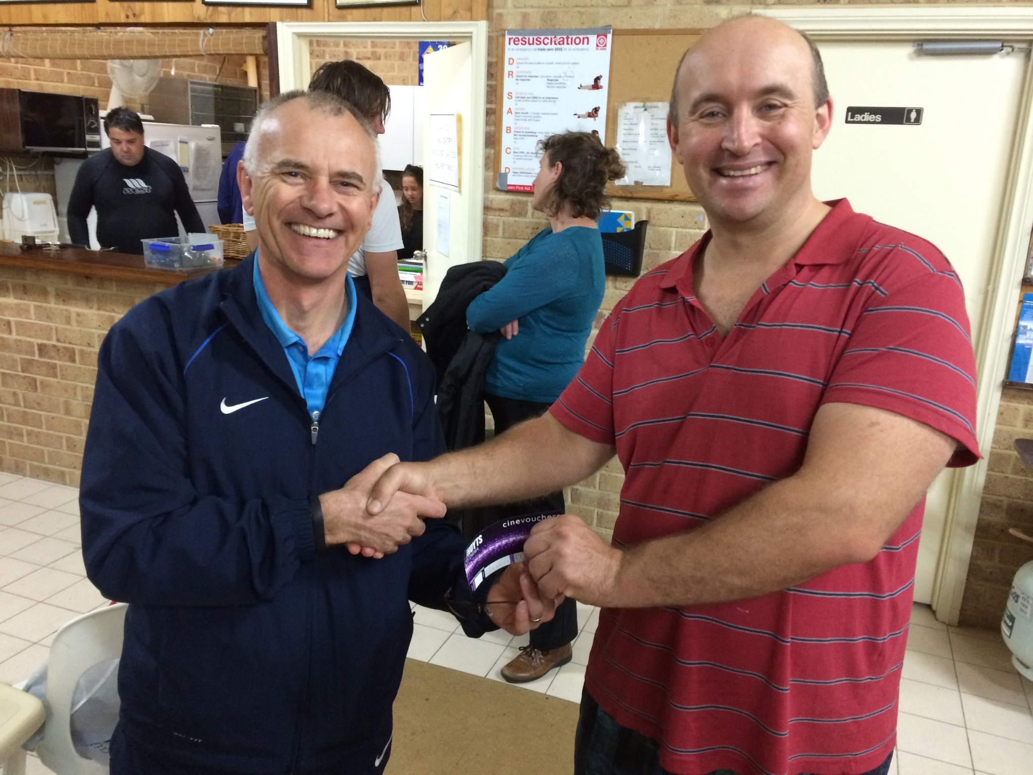 Tuesday 9th June 2016 : Club member Mike Galanty presenting tonights winner Graham McMahon with a movie voucher