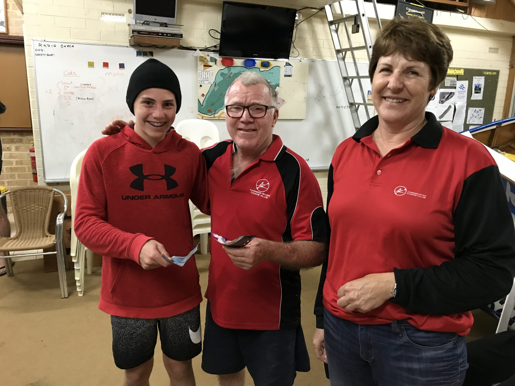 Tues 19th September 2017 : Tonight's photo shows club Treasurer Simone Burge presenting David Gardiner and Tim Hyde with movie vouchers.