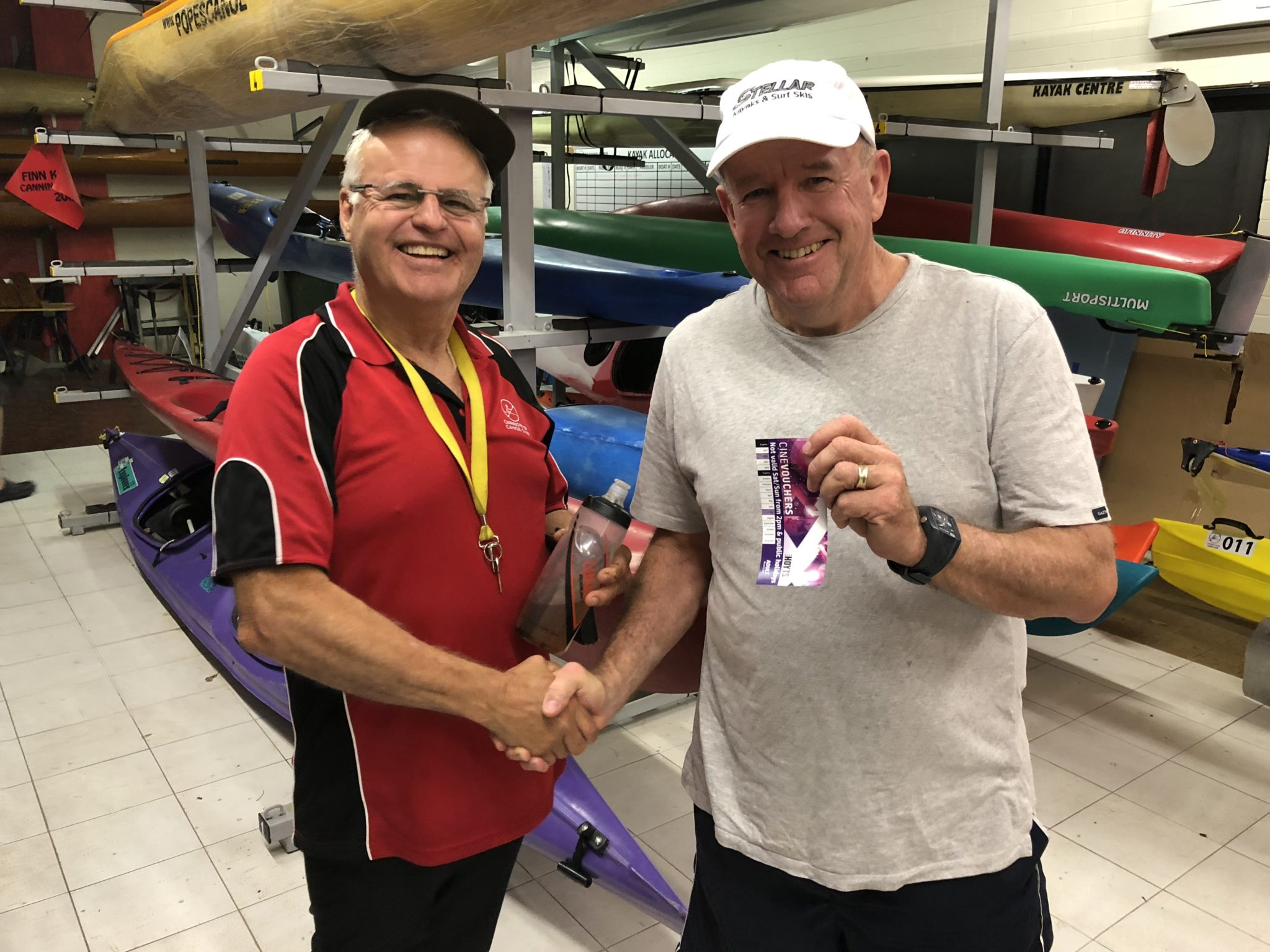 Tues 12th Dec 2017 : Les presenting Steve Mitchinson with the winners movie voucher